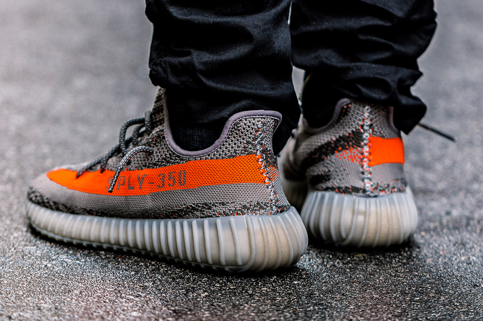 A Closer Look at the adidas Yeezy Boost 350 V2 Kanye west SOLAR RED/STEEPLE GRAY/BELUGA primeknit - 1316980