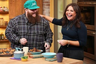 """Watch Action Bronson Give Rachael Ray a Lesson on How to Make His """"Explosive Crispy Chicken"""""""