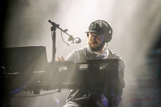 "Bon Iver Share Videos for ""29 #Strafford APTS"" & ""666 ʇ"""
