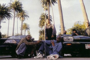 Grant Hill Shares the Back Story to This Famous Photo of Tupac and His FILA's