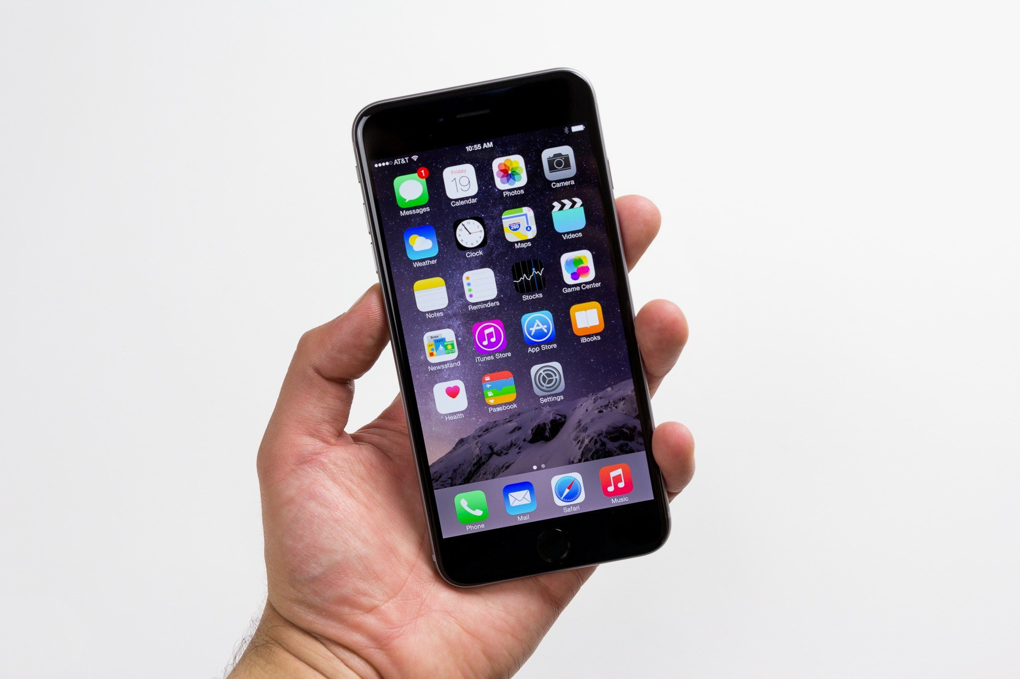 Picture of The iPhone Has a Secret One-Handed Keyboard