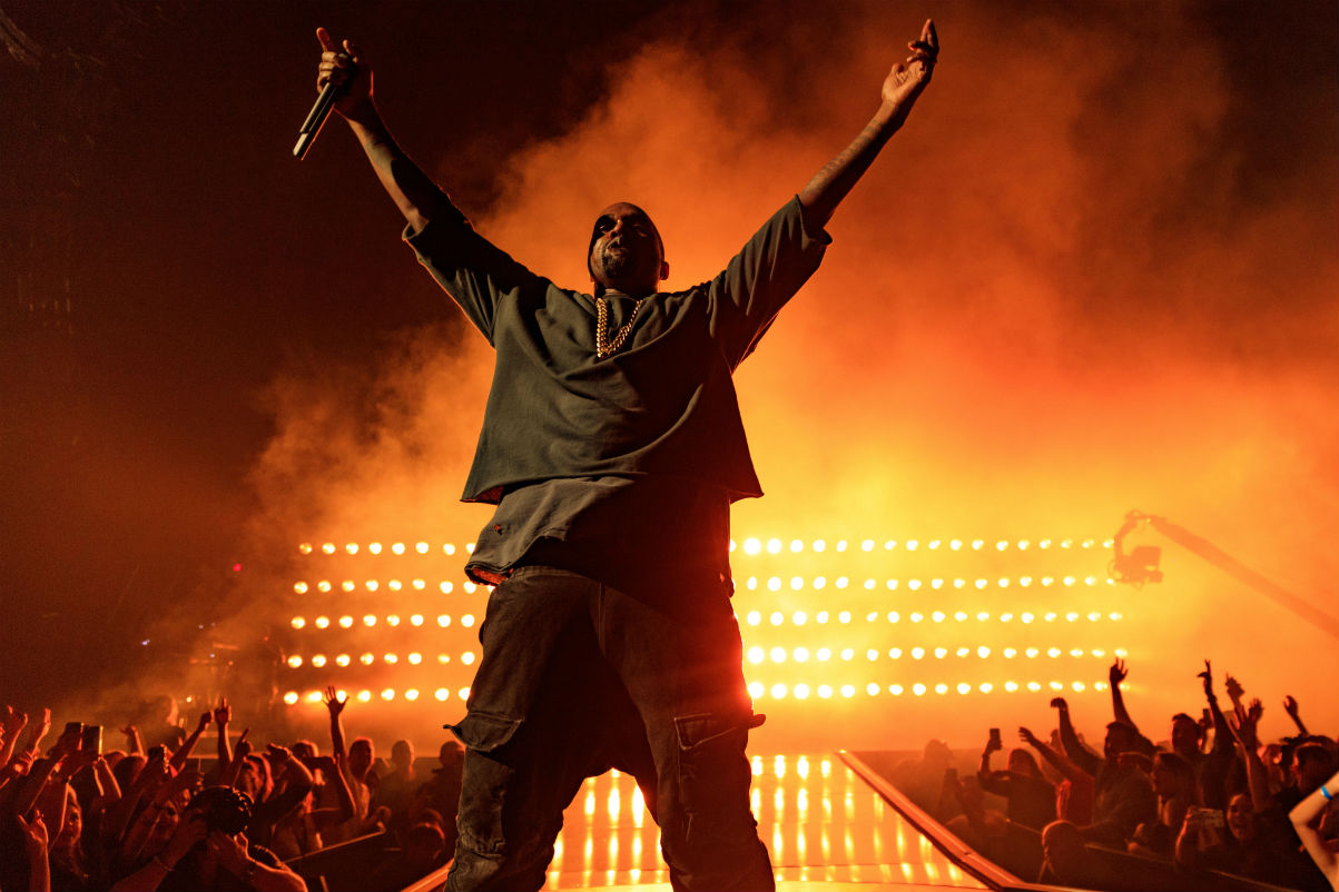 Picture of Kanye West Pays Tribute to Kid Cudi During Los Angeles Tour Stop