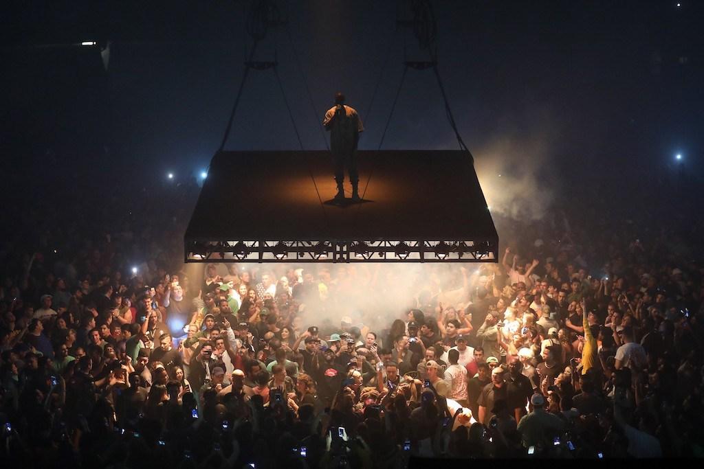 Kanye West Reschedules Tour Dates Due To Family Concerns Kim Kardashian Robbery Life of Pablo Paris gun point - 1761994