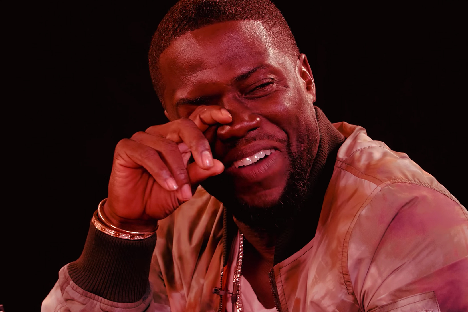 """Kevin Hart Reflects on His Comedic Growth While Getting """"Drunk"""" Over Spicy Wings"""