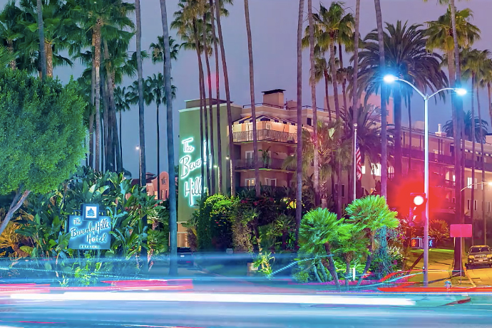 Traverse Los Angeles at Night Through This Colorful Hyperlapse Video