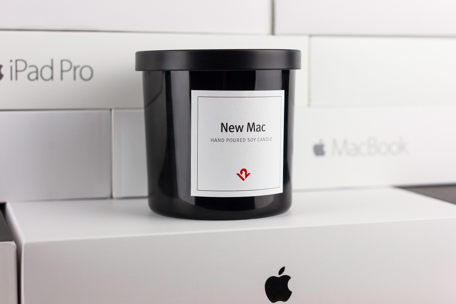 "Relive Your MacBook Unboxing With This ""New Mac Candle"""