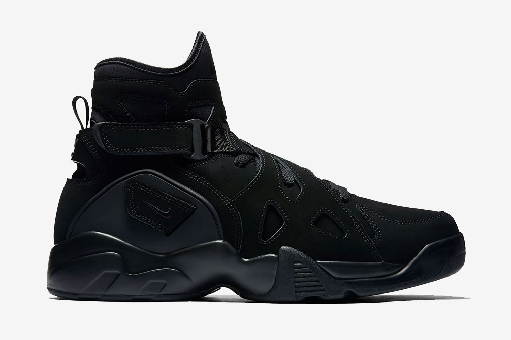 "The Nike Air Unlimited Returns in ""Triple Black"""