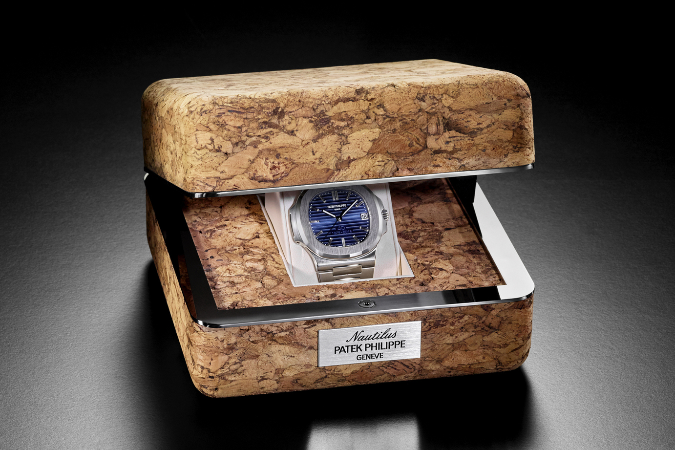 Patek Philippe Celebrates the 40th Anniversary of the Nautilus