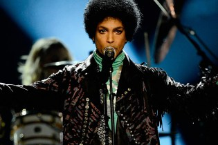 Record Labels Scramble to Secure Prince's Vault of Unreleased Music That's Valued at $35 Million USD