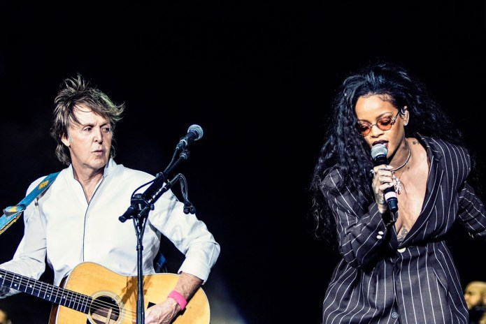 "Watch Rihanna & Paul McCartney Perform ""FourFiveSeconds"" at Desert Trip"