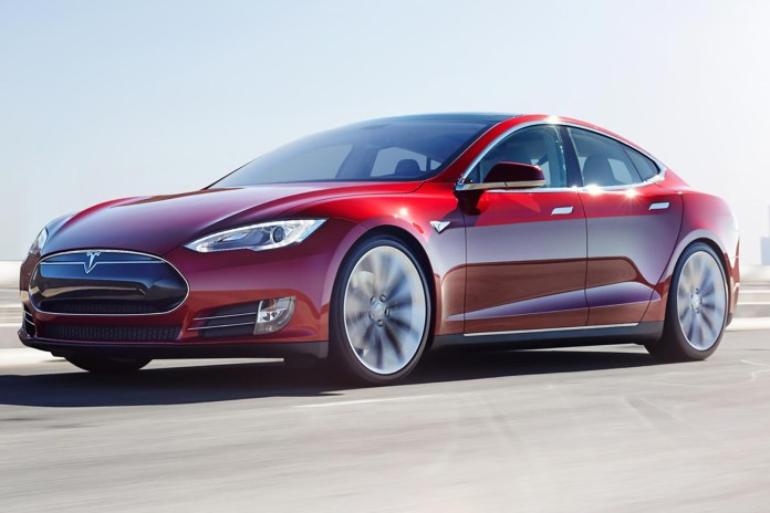 Tesla Plans to Rival Uber by Offering Ride Service