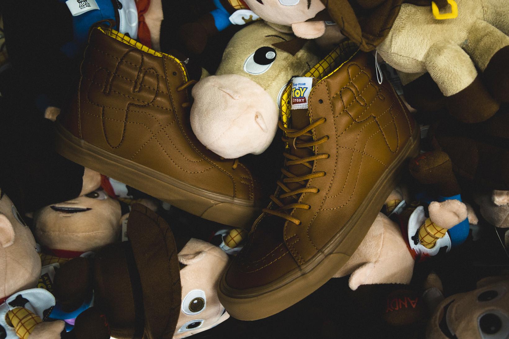 Toy Story Vans Sneakers Woody Buzz Lightyear Disney - 1765033