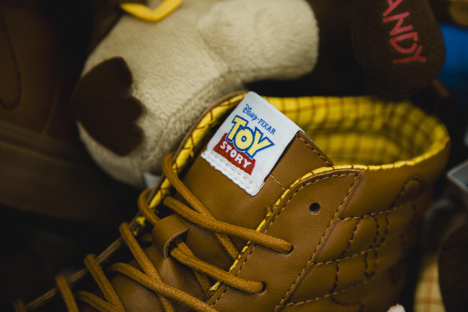Toy Story Vans Sneakers Woody Buzz Lightyear Disney - 1765030