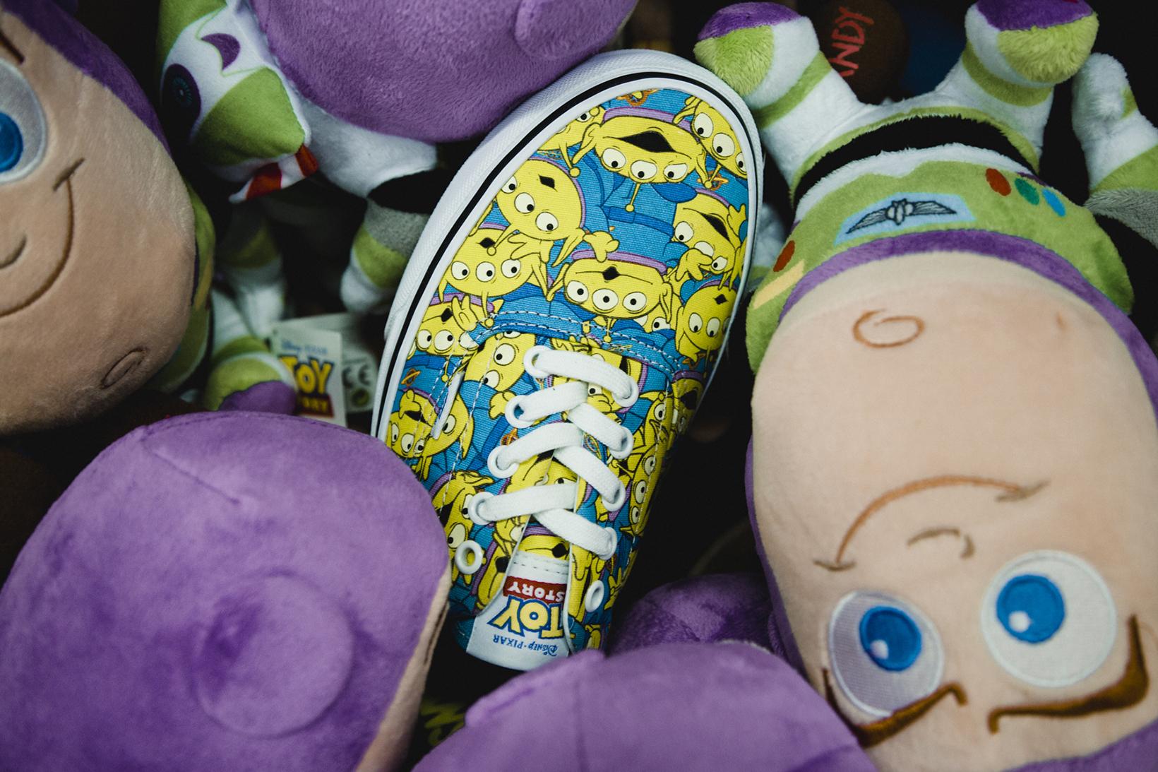 Toy Story Vans Sneakers Woody Buzz Lightyear Disney - 1765028