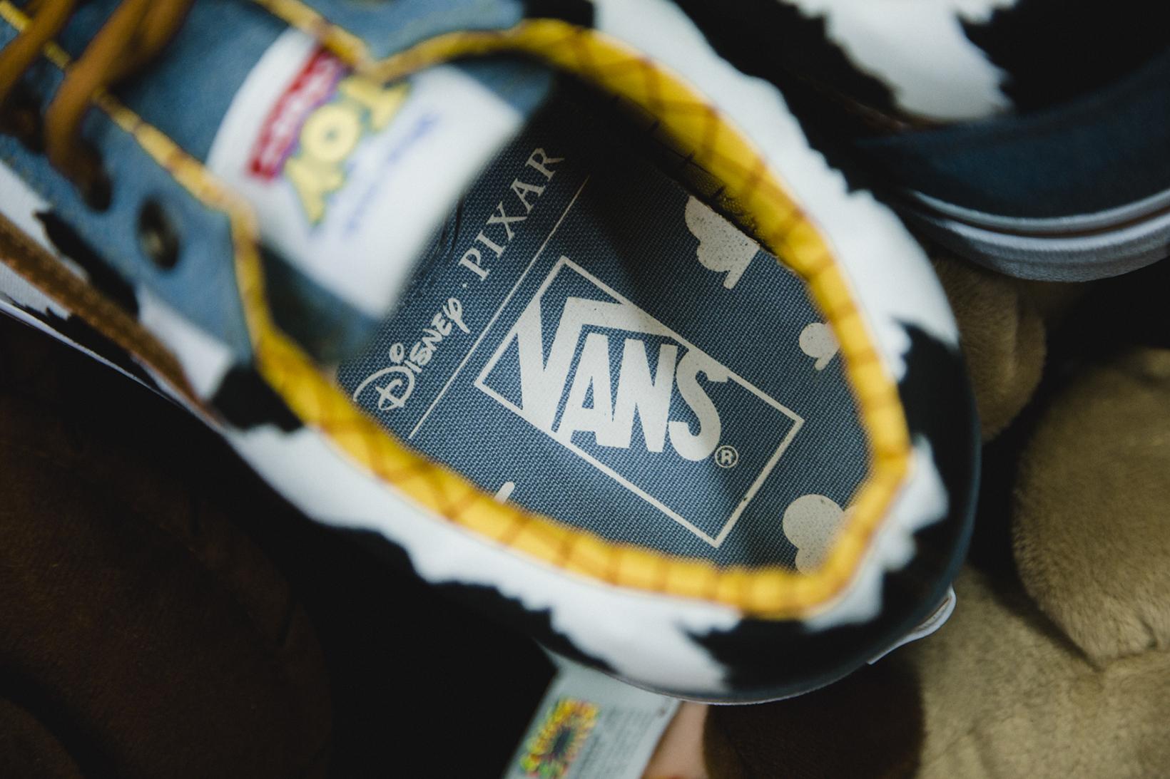 Toy Story Vans Sneakers Woody Buzz Lightyear Disney - 1765040