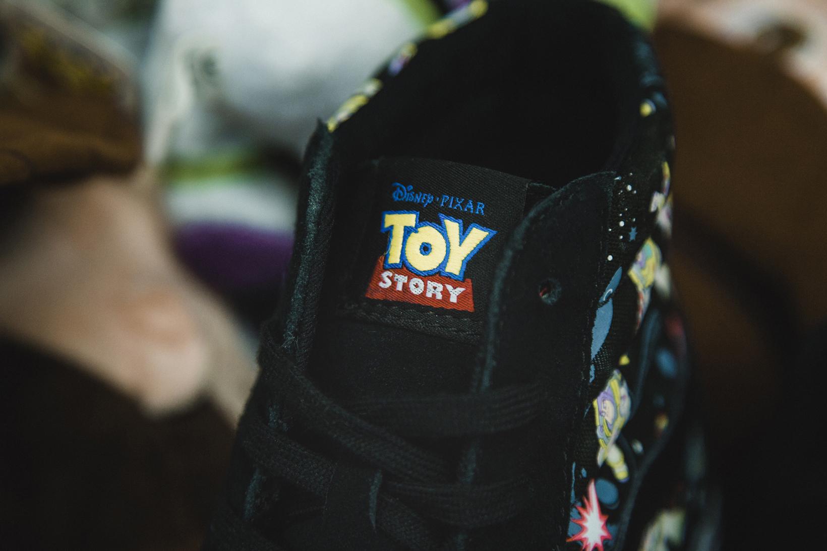 Toy Story Vans Sneakers Woody Buzz Lightyear Disney - 1765038