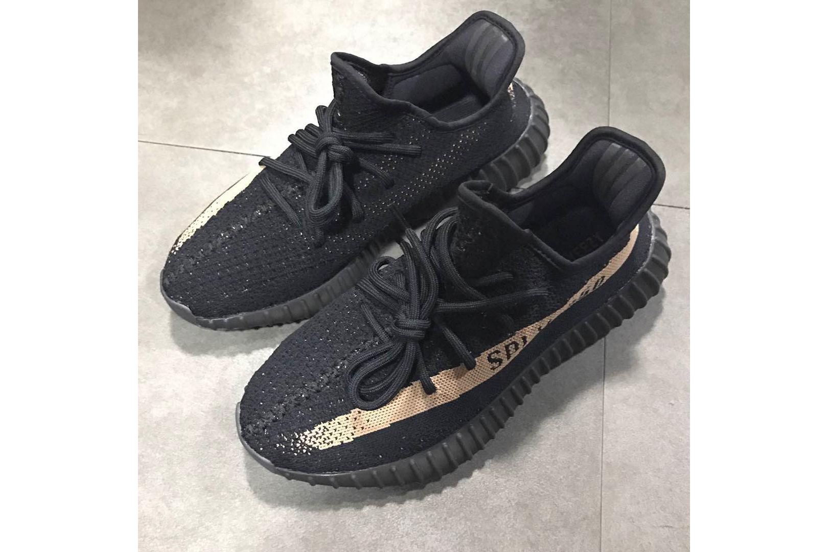adidas Yeezy Boost 350 V2 Black Friday Kanye West - 1766437