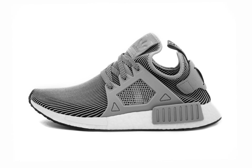 Adidas NMD R2 Primeknit Navy/White Men\u0027s Sneakers BB2909