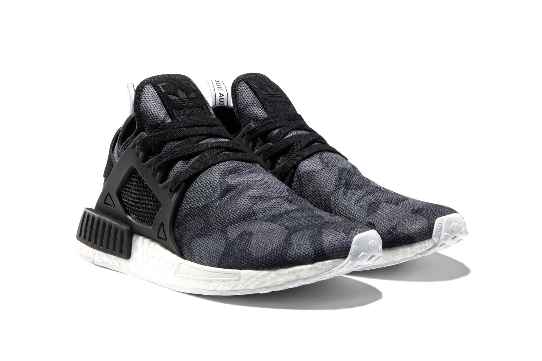 Adidas NMD XR 1 Boost Runner Yeezy PK Sneakers New Black Glitch