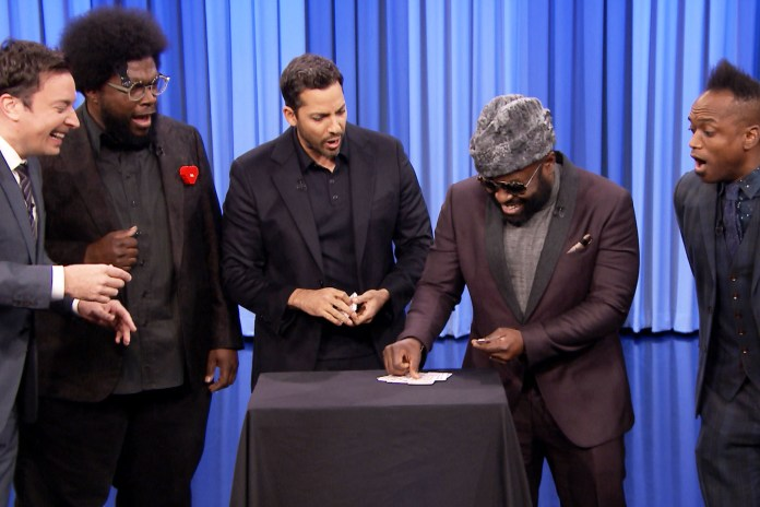 David Blaine Amazes Jimmy Fallon and The Roots With Mind-Blowing Magic Tricks