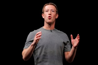Facebook Now Has Over a Billion Mobile Users From Across the Globe
