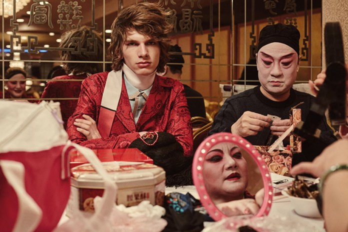 """Feast Your Eyes on This Luxurious """"Chinatown"""" Editorial"""