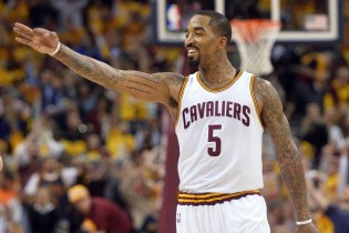 J.R. Smith's Friendly Gesture Allows Bucks to Score an Easy Dunk