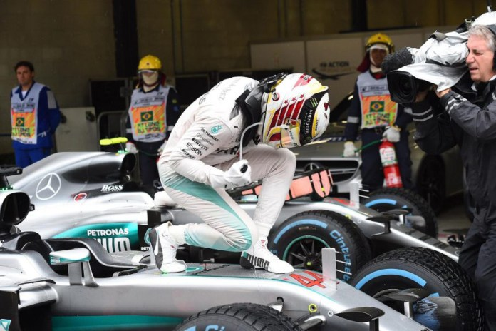 Lewis Hamilton Wins Dramatic Brazilian Grand Prix, Keeping F1 Title Race Alive