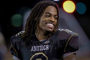 College Football's Top Recruit, Najee Harris, Attempts to Juke 100 Peewee Players