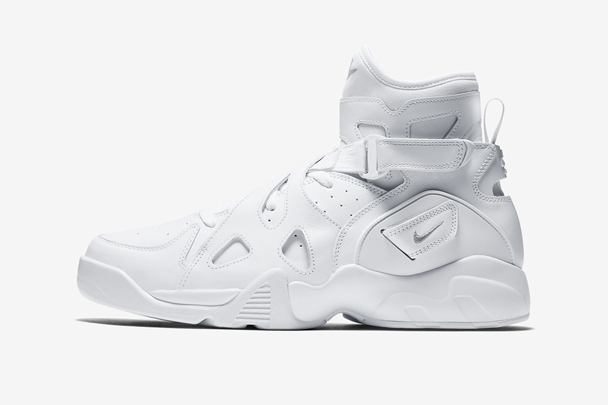 nike air unlimited triple white