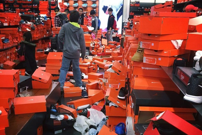 A Nike Outlet Was Trashed by Shoppers on Black Friday