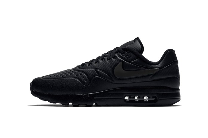"""Nike's Upcoming Air Max Ultra SE Pack Hosts Four """"Triple Black"""" Silhouettes"""