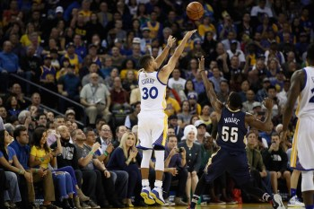 Steph Curry Makes NBA-Record 13 Three-Pointers in One Game