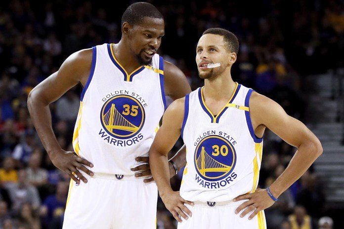 Stephen Curry & Kevin Durant Play an Unimaginative Game of P-I-G