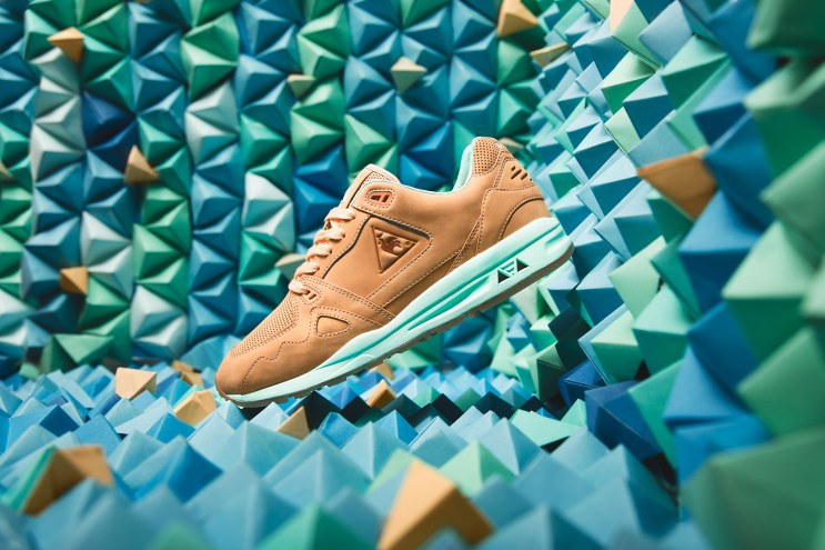 "Titolo Puts a ""Mellow Mint"" Spin on the Le Coq Sportif R1000"