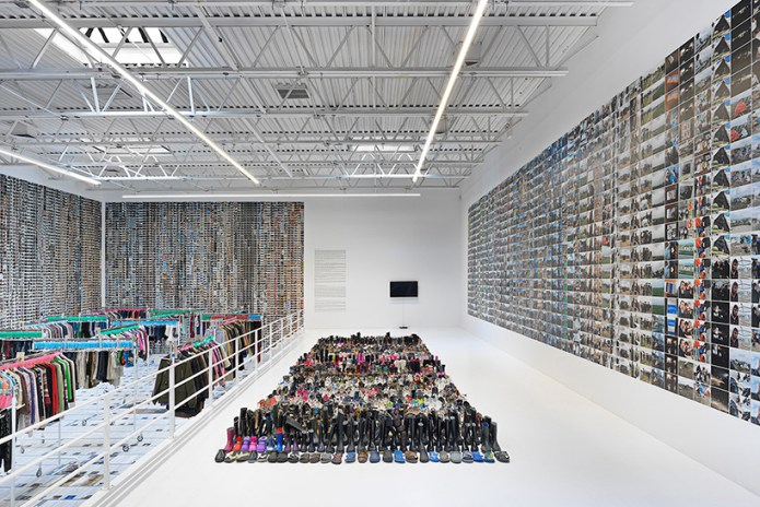 """Here Is an In-Depth Look at Ai Weiwei's """"Laundromat"""" Project on Display in New York"""