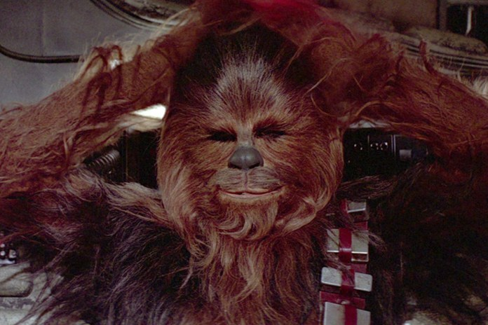 """Chewbacca Gets Into the Spirit of Christmas by Singing """"Silent Night"""""""