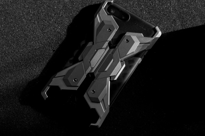 "CORESUIT Introduces Its ""Neo Armor"" iPhone Metal Case"