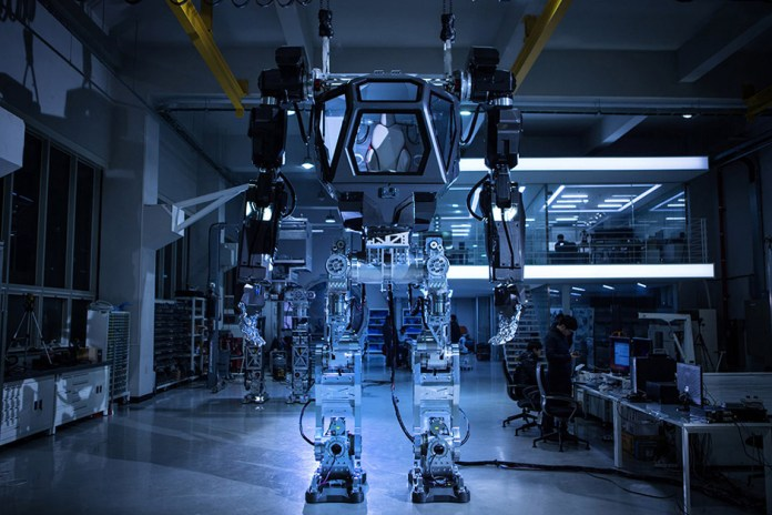 This 13-Foot Tall Hankook Mirae Method-2 Robot Suit Makes RoboCop and Mech Loaders a Reality