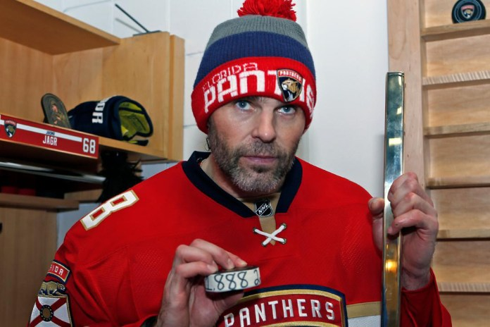 Jaromir Jagr Earns No. 2 Spot on NHL All-Time Scoring List, Gretzky Remains Unreachable