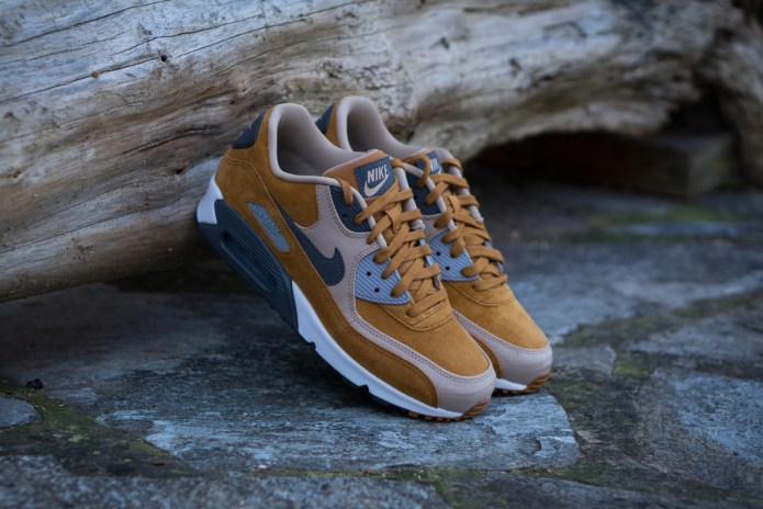 """Nike Air Max 90 Gets A """"Desert Ochre"""" Colorway for the New Year"""