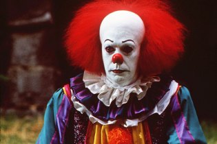 New Pennywise Image: Evil Clown From 'IT' Wants to Haunt You in Your Dreams
