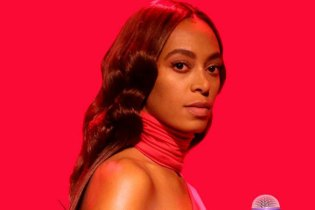 "Solange Performs ""Rise"" And ""Weary"" Medley on 'The Tonight Show Starring Jimmy Fallon'"