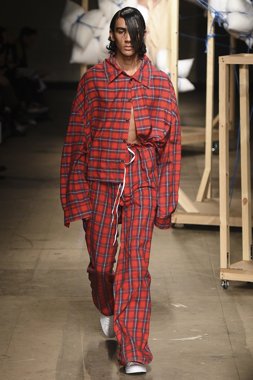 London Fashion Week Men's Fall/Winter 2017 Craig Green Runway