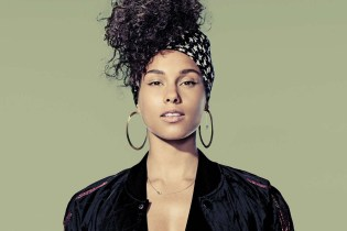 "Alicia Keys Celebrates Birthday With Kanye West-Sampling ""That's What's Up"""