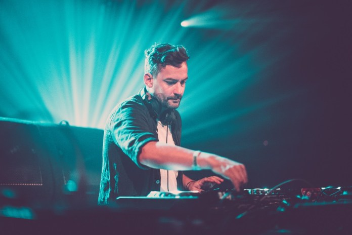 "Bonobo & Nick Murphy (Chet Faker) Collide for ""No Reason"""