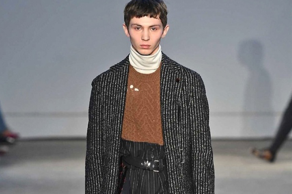 Damir Doma's 2017 Fall/Winter Looks Hit the Runway in Milan