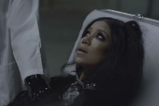 "Jhené Aiko Turns up at a Psych Ward in New Video For ""Maniac"""