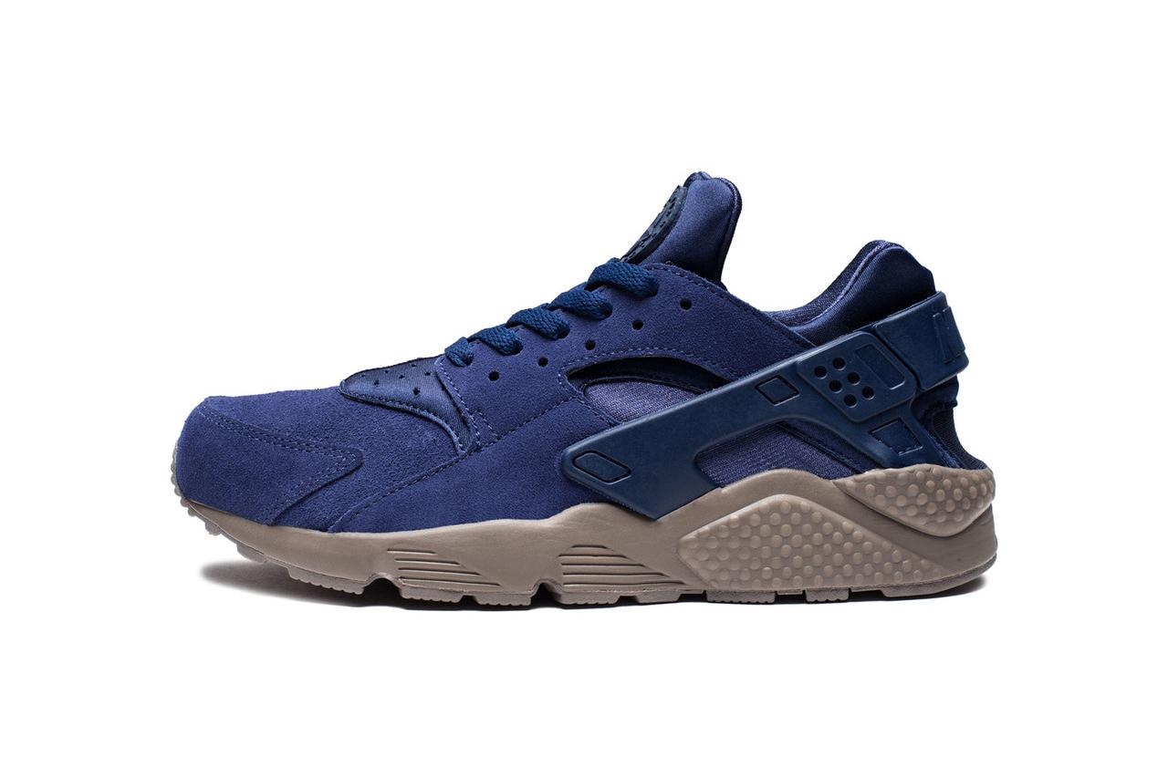 nikes binary blue air huarache sports a mushroom colored sole - Nike Huarache Colors