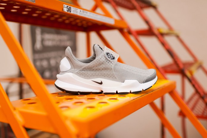 "Nike's ""Medium Grey"" Sock Dart Returns"